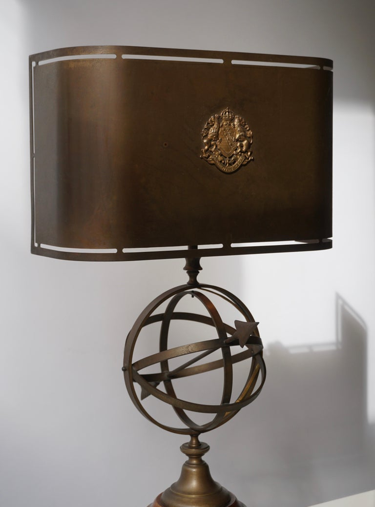 Sundial Table Lamp in Patinated Brass on Wooden Base For Sale 5