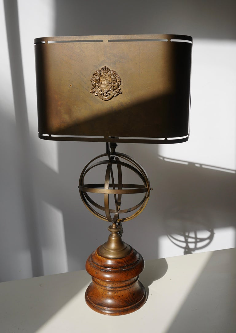 20th Century Sundial Table Lamp in Patinated Brass on Wooden Base For Sale