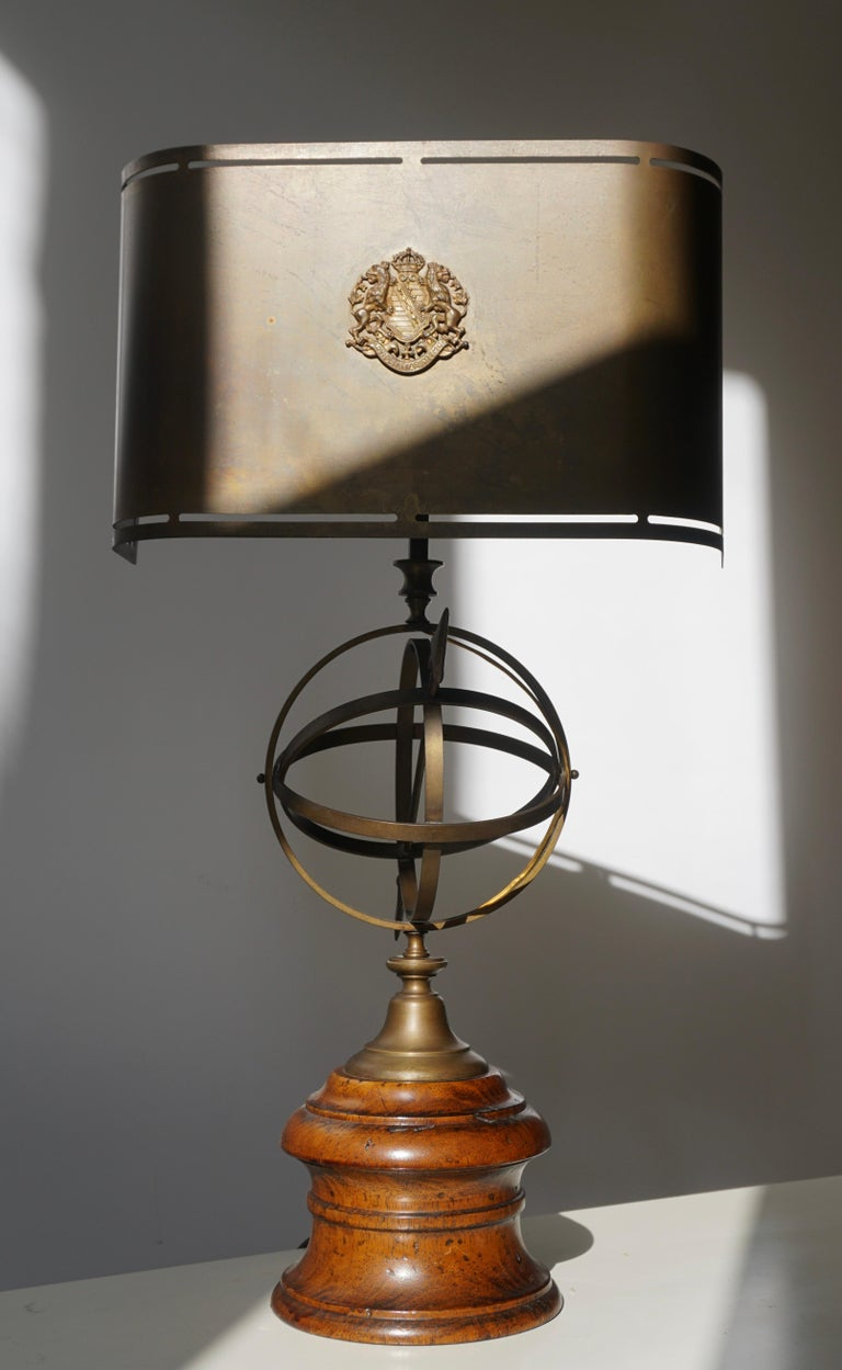 Sundial Table Lamp in Patinated Brass on Wooden Base For Sale 1