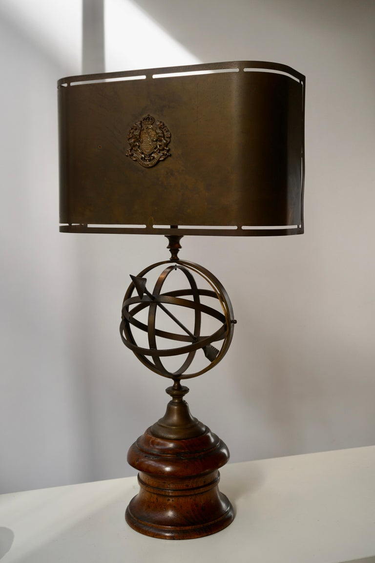 Sundial Table Lamp in Patinated Brass on Wooden Base For Sale 2