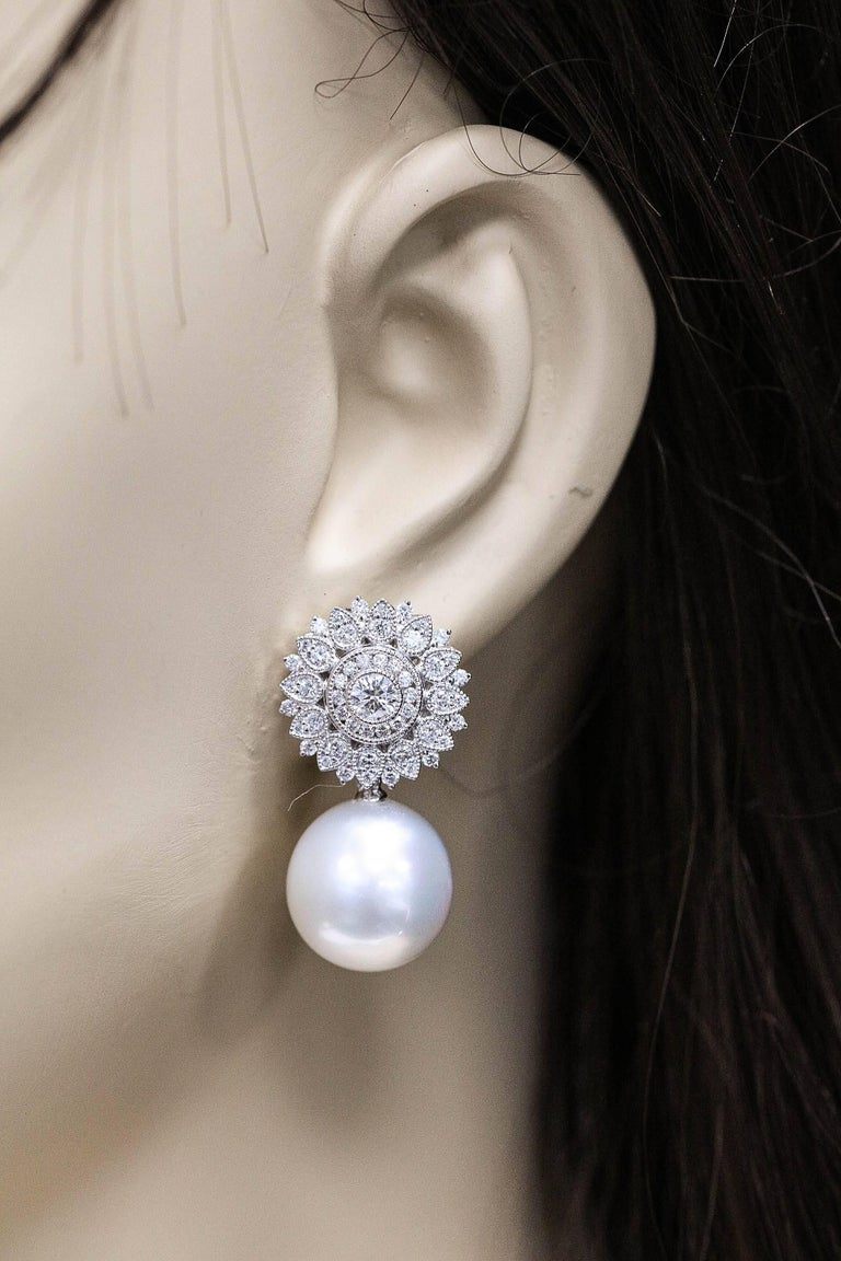 18KW Gold  South Sea pearl 14-15 mm Diamonds 1.35 Cts.
