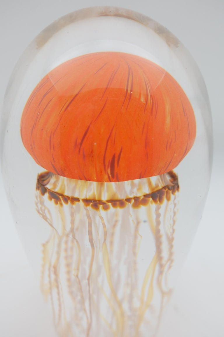 Sunrise Glass Jellyfish Sculpture In Excellent Condition For Sale In New York, NY