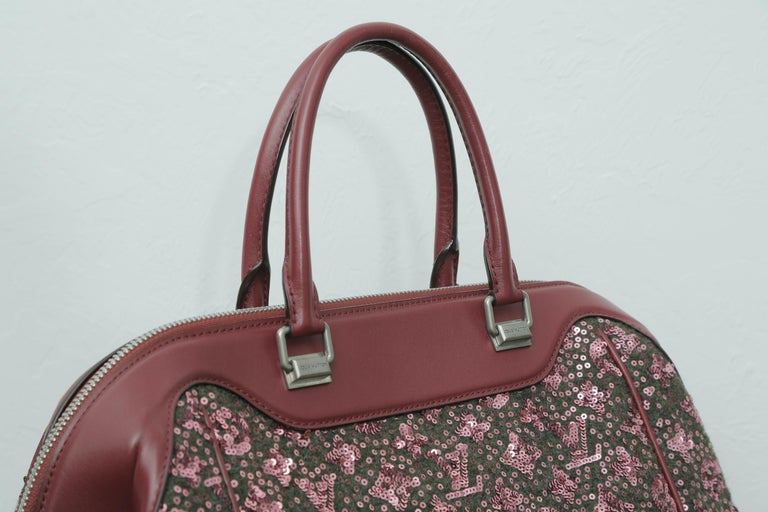 Sunshine Winter 2012 Limited Edition Express North South Burgundy Leather Sequin In Excellent Condition In West palm beach, FL
