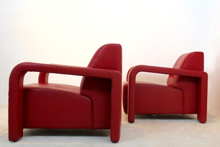 Super Comfortable Pair of Marinelli Red Leather Armchairs, Italy For Sale 5