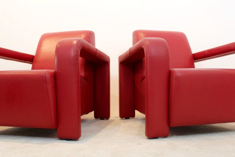 Super Comfortable Pair of Marinelli Red Leather Armchairs, Italy For Sale 1