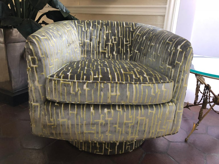 Super cool pair of Milo Baughman style 360 degree swivel chairs in new cut velvet upholstery in a grey and chartreuse geometric pattern. Seat height is 18 arm height is 24 seat depth is 21 seat interior width is 20.