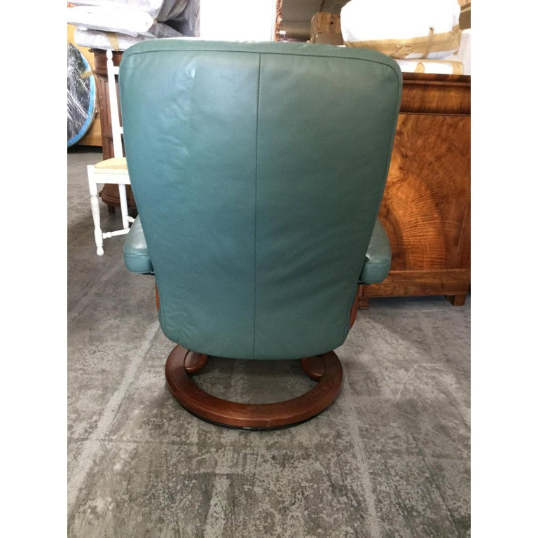 Super Cool Mid-Century Modern Stressless Chairs with Ottomans For Sale 1
