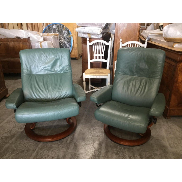 Super Cool Mid-Century Modern Stressless Chairs with Ottomans For Sale 2