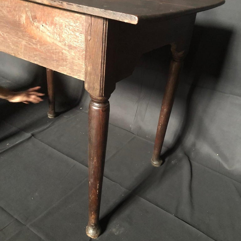 Super Early Continental Oak Side Table or Nightstand In Good Condition For Sale In Hopewell, NJ