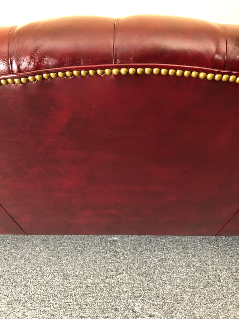 Super Luxurious Hancock & Moore Maroon Tufted Leather Chesterfield Style Sofa For Sale 5