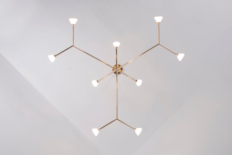 Super Nova Chandelier, Contemporary Geometric Branching Brass Light Fixture In New Condition For Sale In Chicago, IL