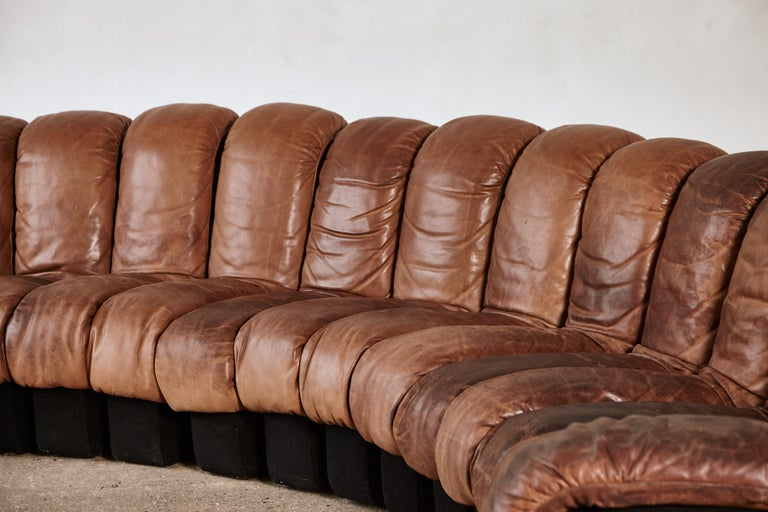 Super Patinated De Sede Ds-600 Modular Sectional Leather Non Stop Sofa, 1970s For Sale 2