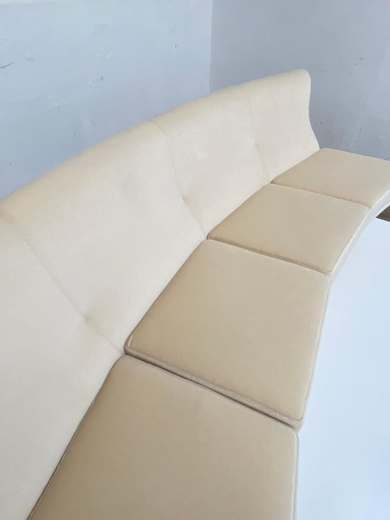 Italian Super Rare Four-Seat Elliptical 'Triennale' Sofa by Zanuso for Arflex, 1951 For Sale
