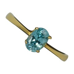 Superb 18 Carat Gold and Zircon Solitaire Ring