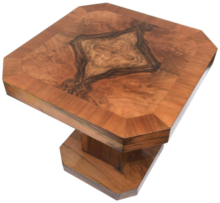 Walnut Superb 1930s Art Deco Coffee Table For Sale