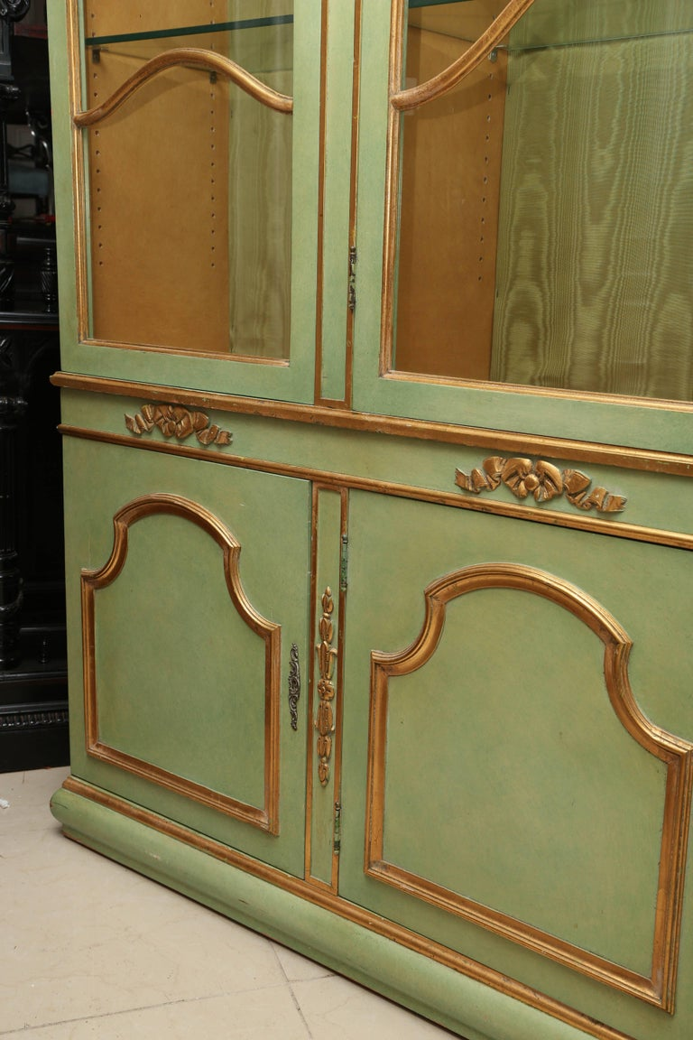 Superb 1950s Italian Baroque Style Parcel Gilt Green Painted Cabinet In Excellent Condition For Sale In West Palm Beach, FL