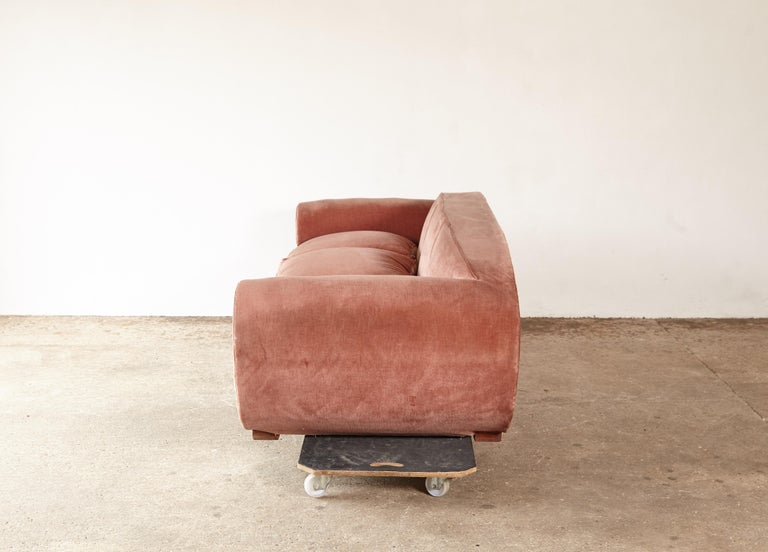 Superb 1950s Pink Sofa Attributed to Maison Gouffé, France, 1950s For Sale 2