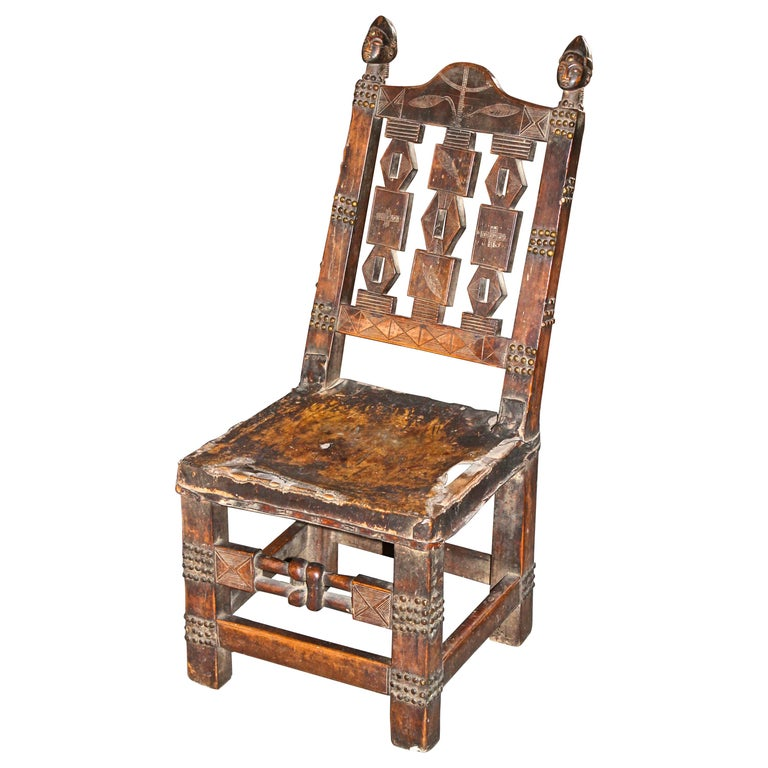 Superb and Rare 19th Century Baule Chair from the Ivory Coast For Sale