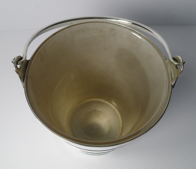 Superb Antique English Ice Bucket or Pail by Atkin Brothers, circa 1910 In Good Condition For Sale In London, GB