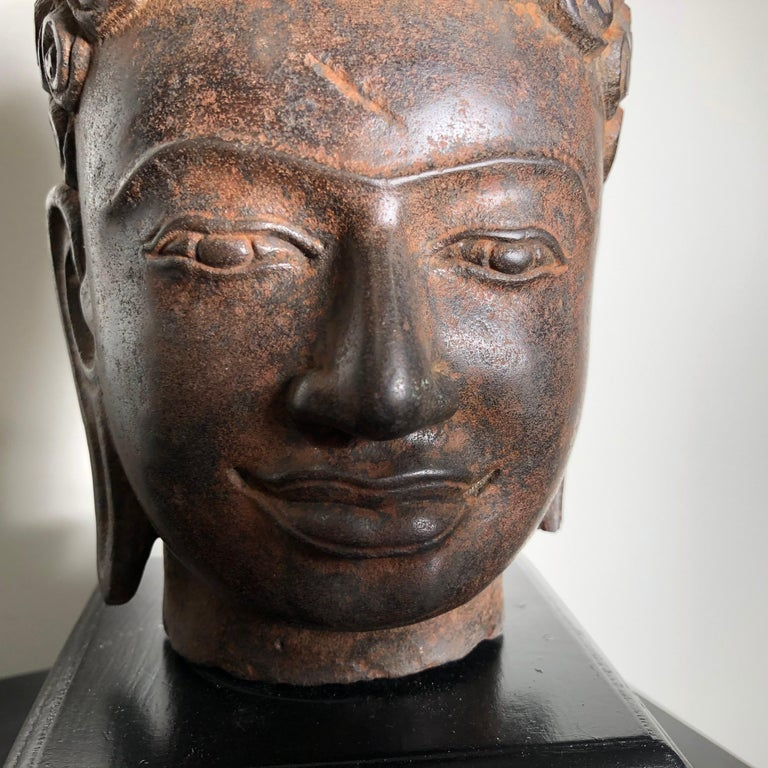 Superb Antique Peaceful Buddha Head, 18th Century with Custom Stand In Good Condition For Sale In Shelburne, VT