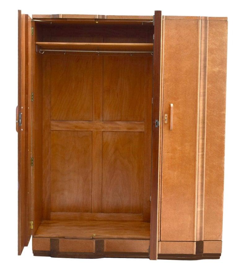 Superb Art Deco Triple Door Maple Wardrobe, circa 1930 In Good Condition For Sale In Devon, England
