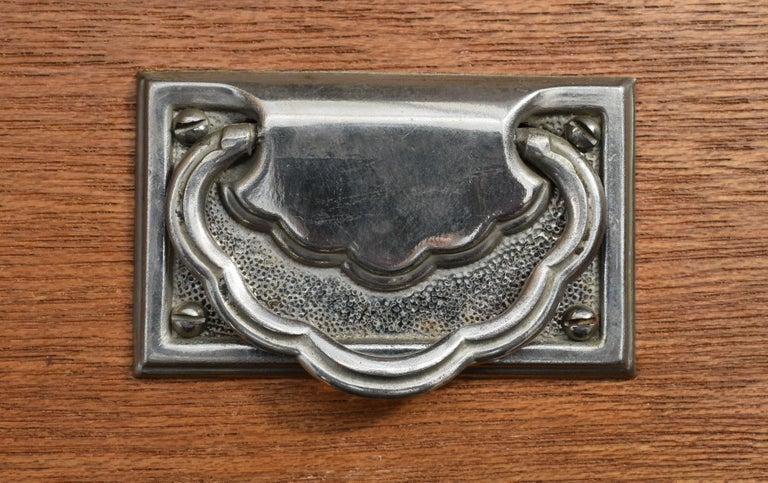Superb Art Deco Triple Door Maple Wardrobe, circa 1930 For Sale 2