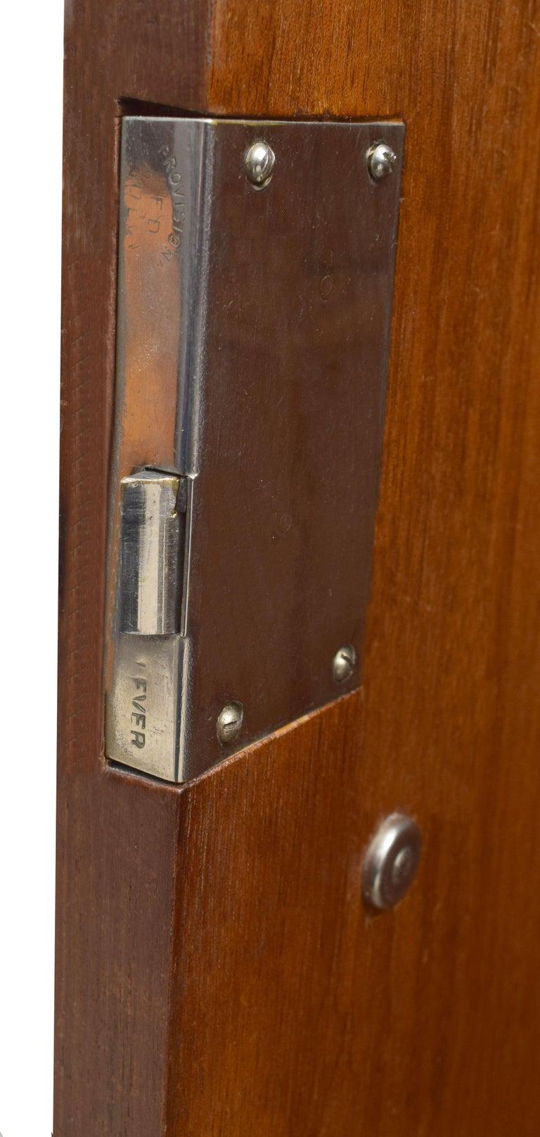 Superb Art Deco Triple Door Maple Wardrobe, circa 1930 For Sale 3