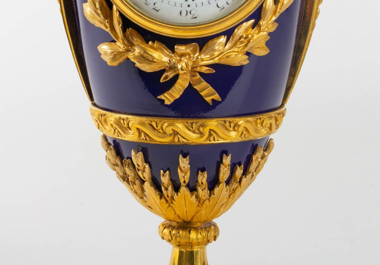 Superb Clock, Giltbronze and Blue Enamel by Beurdeley, Paris, France, circa 1850 For Sale 2
