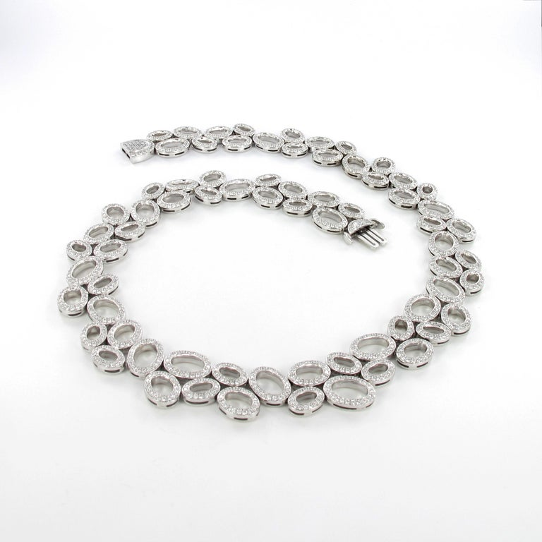 Superb Diamond Necklace in White Gold by Gübelin In Excellent Condition For Sale In Lucerne, CH