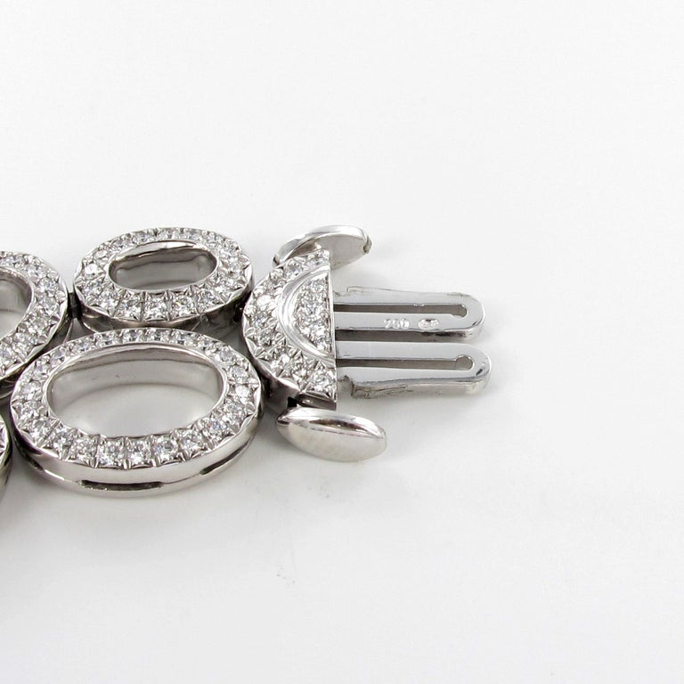 Superb Diamond Necklace in White Gold by Gübelin For Sale 3