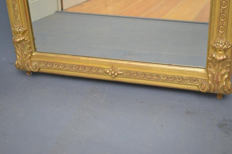 Superb Early 19th Century Giltwood Pier Mirror For Sale 7