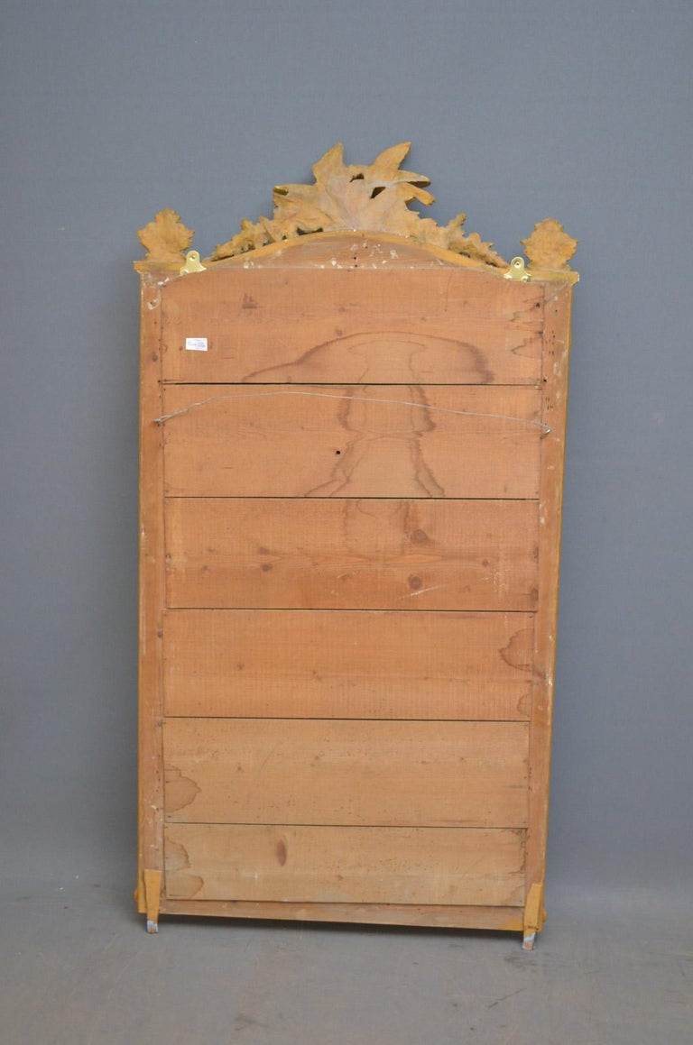 Superb Early 19th Century Giltwood Pier Mirror For Sale 8