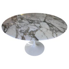 Superb Eero Calacatta Arabescato Marble Saarinen Tulip Dining Table