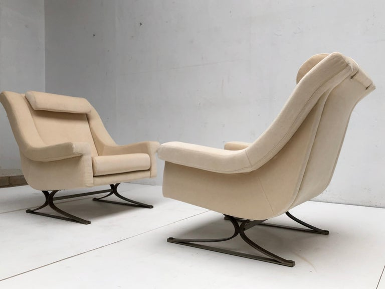 Superb 'Grand Prix' Lounge Set in Mohair by Sculptor Maurice Calka, Arflex, 1960 For Sale 11