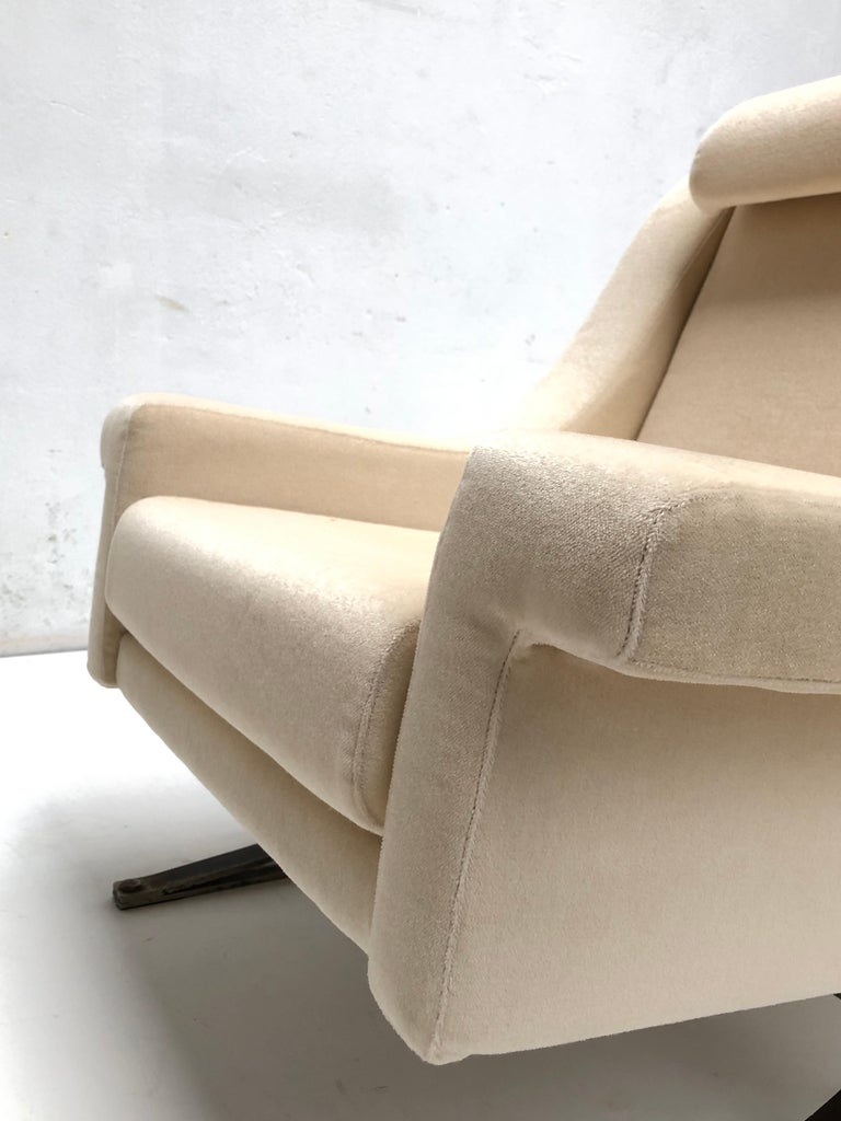 Superb 'Grand Prix' Lounge Set in Mohair by Sculptor Maurice Calka, Arflex, 1960 For Sale 8