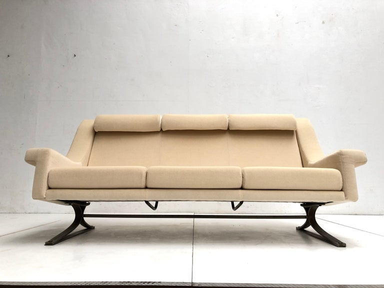 Superb 'Grand Prix' Lounge Set in Mohair by Sculptor Maurice Calka, Arflex, 1960 For Sale 6