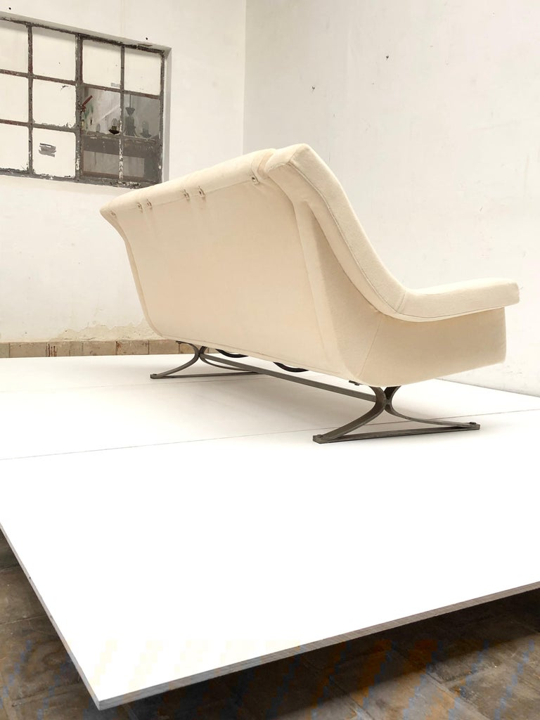 Superb 'Grand Prix' Lounge Set in Mohair by Sculptor Maurice Calka, Arflex, 1960 For Sale 7