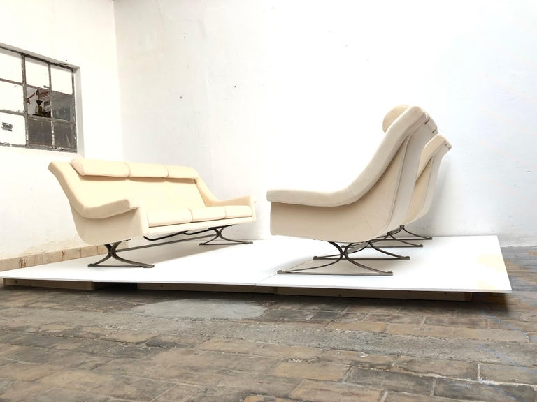 Superb 'Grand Prix' Lounge Set in Mohair by Sculptor Maurice Calka, Arflex, 1960 In Good Condition For Sale In bergen op zoom, NL