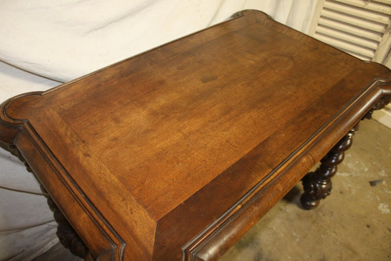 Superb Italian 18th Century Writing Table For Sale 7