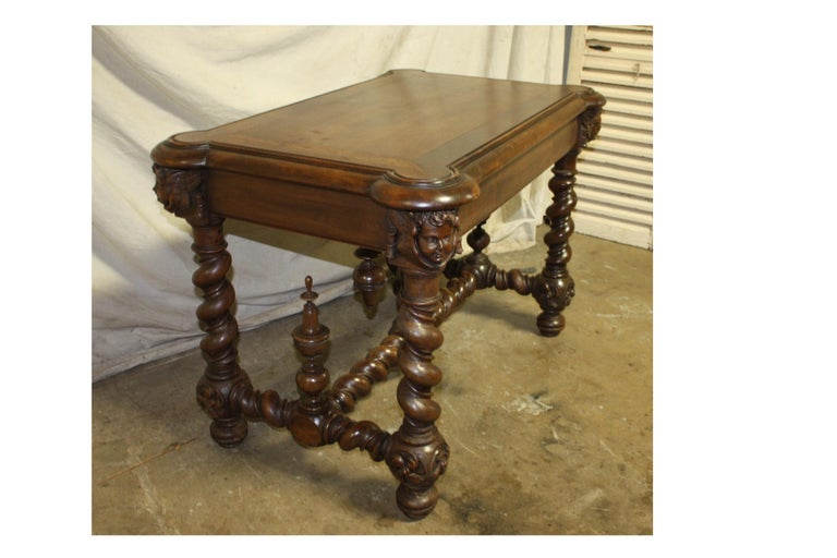 Superb Italian 18th Century Writing Table For Sale 4