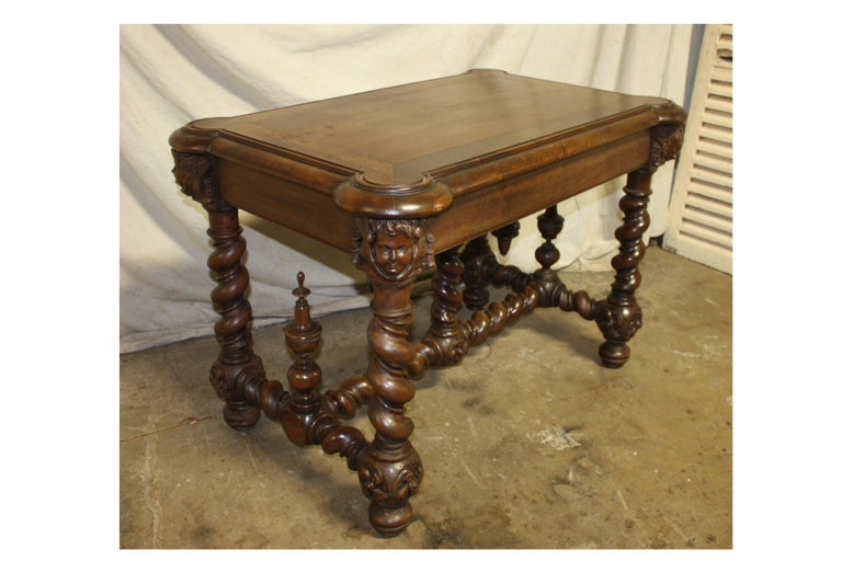 Superb Italian 18th Century Writing Table For Sale 5