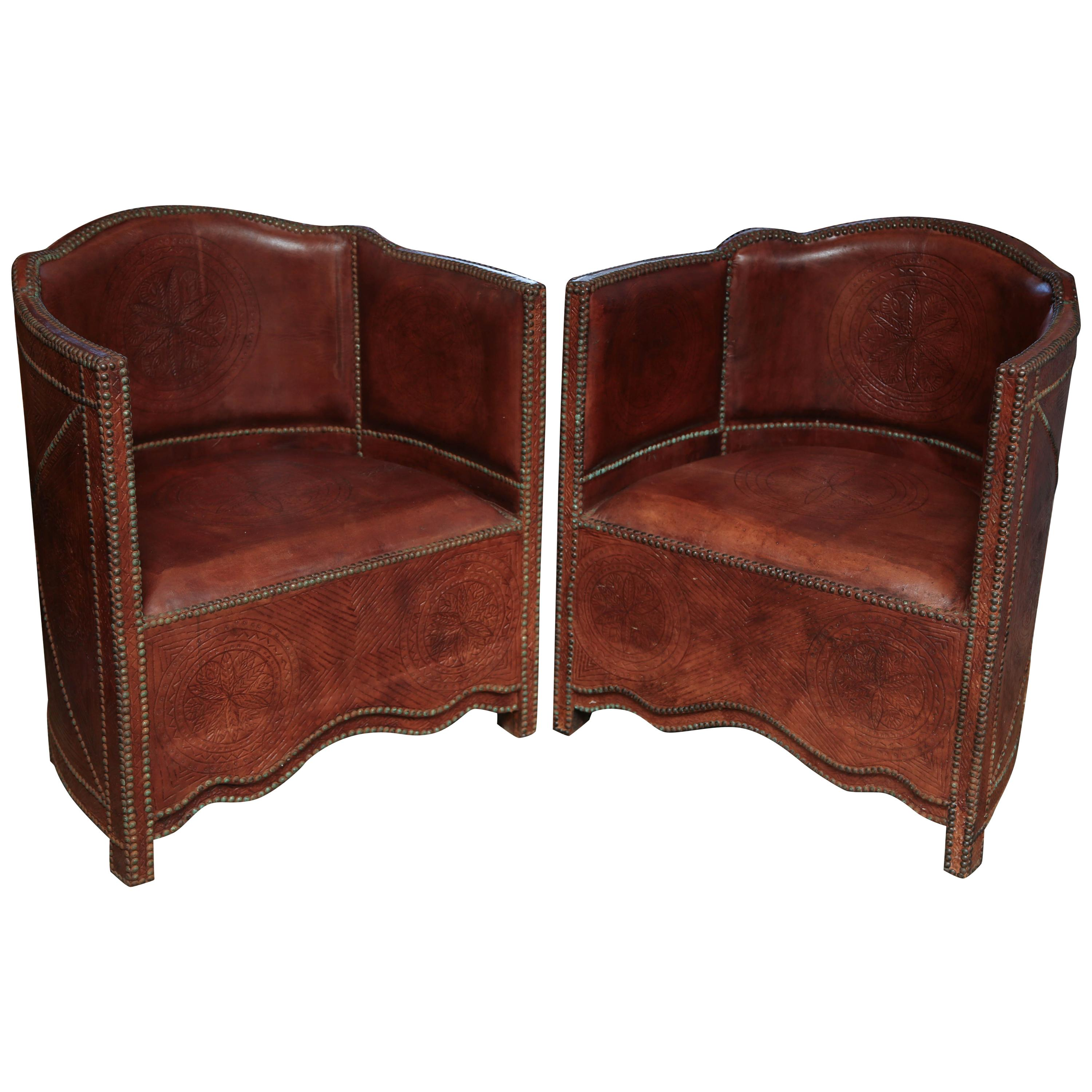 Superieur Superb Pair Of Vintage Moroccan Leather Barrel Chairs