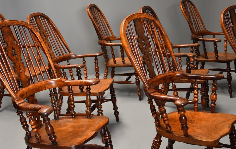 Superb Rare Set of Eight Burr Yew Broad Arm High Back Windsor Armchairs In Good Condition For Sale In Suffolk, GB