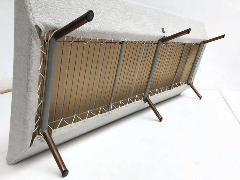 Superb 'Triennale' Brass Leg Daybed by Zanuso for Arflex, 1951, Original Labels In Good Condition For Sale In bergen op zoom, NL