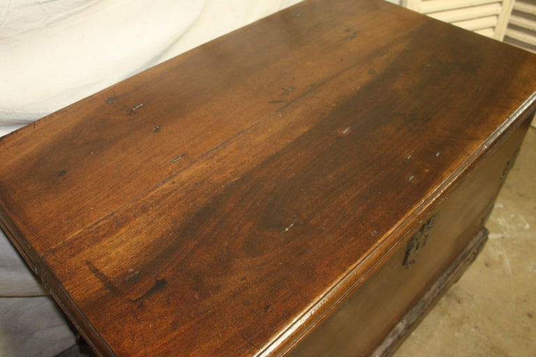 Superbe 17th Century French Blanket Chest or Trunk For Sale 7