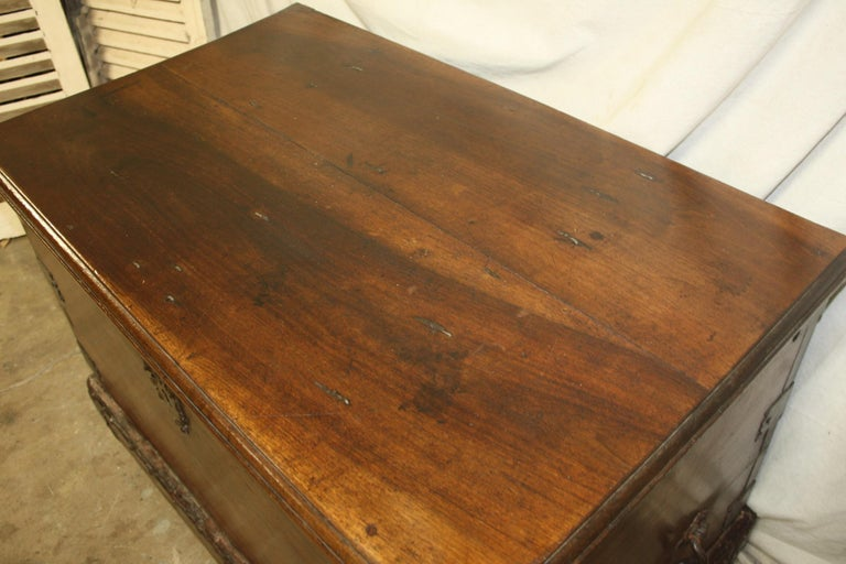Superbe 17th Century French Blanket Chest or Trunk For Sale 8