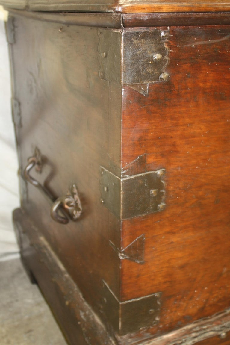 Superbe 17th Century French Blanket Chest or Trunk For Sale 9