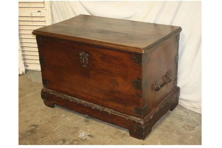 Louis XIV Superbe 17th Century French Blanket Chest or Trunk For Sale