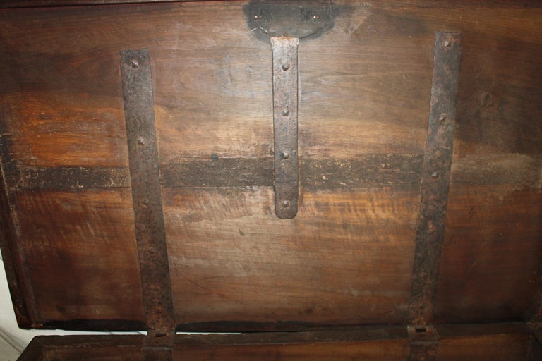 Superbe 17th Century French Blanket Chest or Trunk For Sale 4