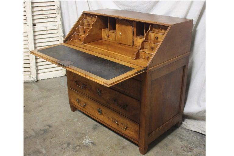 Superbe 18th Century French Desk Scriban For Sale 3